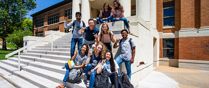 SWOSU Students on the Steps
