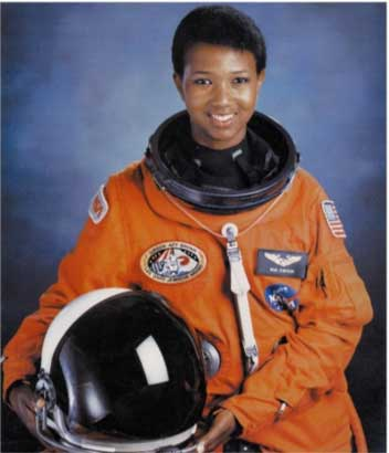 photo of Mae Jemison sporting her space shuttle flight suit